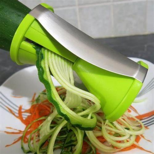 Zucchini and Carrot Spaghetti Cutter